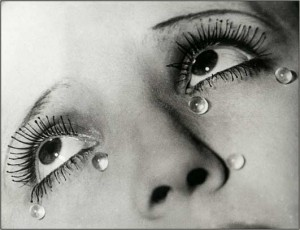 les-larmes-by-man-ray-1335255402_b-300x230